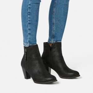 Justfab Black Faux Leather Ankle Boot 10